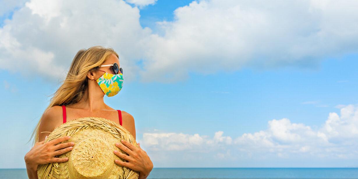 Covid e vacanze: quali comportamenti, rischi e limiti per gli italiani
